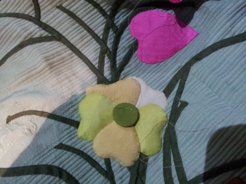 Appliquéd the yellow main flower and quilted it last night