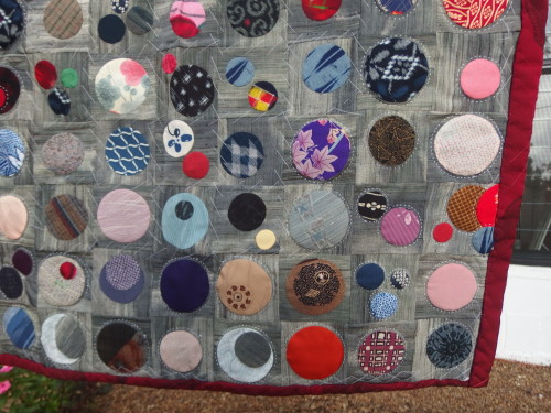 Close up of the sashiko quilting.