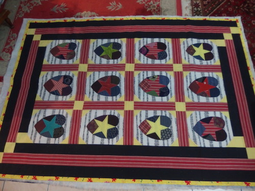 I have almost finished quilting my Friendship quilt so have started another quilt.