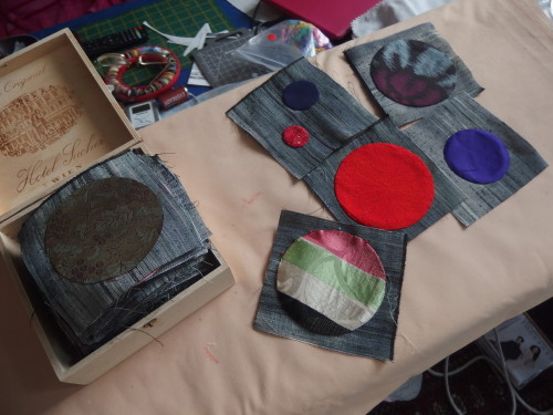 I picked up my Quilty365 Circles I have amde 267 circles so far and this is my next 90 all cut out plus 4 1/2 inch square blocks.