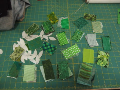 Last Wednesday avo I recieved a wee parcel for Prue with over 5o wee scraps of green fabrics to help me finsih making up my leaves for my wee square blocks for Secret Garden quilt how wonderful to ahve these lovely clean bright colours to give some more verity to those dear wee blocks